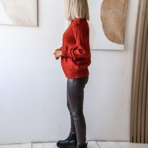 Приобрести женский вязаный свитер с узорами (размер 42-52) цвета терракот в Украине