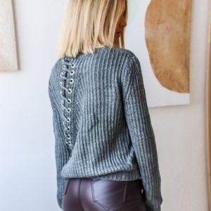 Приобрести женский свитер со шнуровкой на спине по низким ценам серого цвета