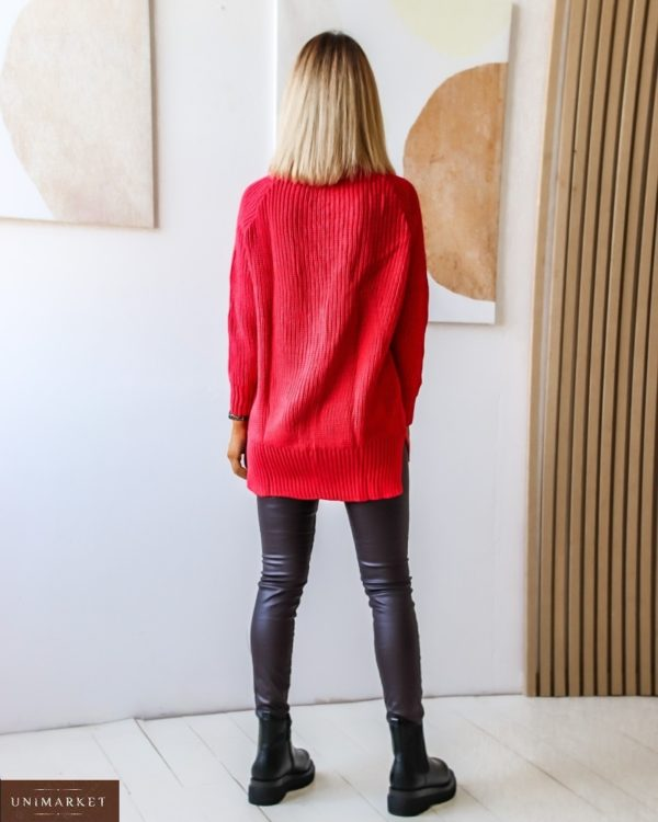 Приобрести женский удлиненный свитер с V-образным вырезом на шнуровке (размер 44-54) выгодно красного цвета