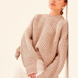 Заказать беж свитер женский oversize со спущенной линией плеча в Украине