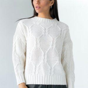 Заказать белый свитер с узором со спущенной линией плеча для женщин на осень в интернете