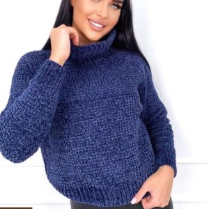 Заказать синий свитер для женщин по скидке с горлом из велюровой нити