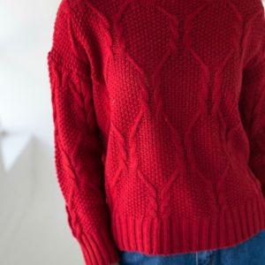 Купить бордо свитер для женщин с узором со спущенной линией плеча недорого
