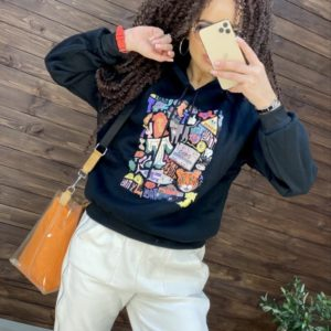 Заказать черный женский принтованный батник на флисе с капюшоном в интернете