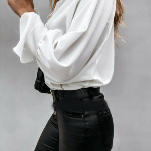 Приобрести молочную блузу для женщин из софта с нежными рукавами (размер 42-56) недорого