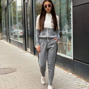 Заказать серый женский спортивный костюм Chanel из трикотажа по скидке