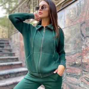 Купить зеленый однотонный вязаный костюм с кофтой на змейке для женщин в интернете