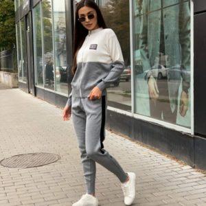 Купить на осень серого цвета спортивный костюм женский Chanel из трикотажа онлайн