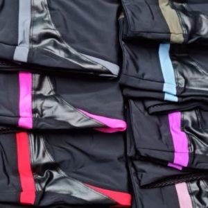 Приобрести синие, серые, хаки, красные, пудра, беж, сирень эластичные лосины со вставкой из сетки по скидке для женщин