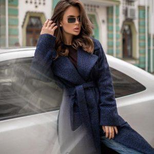 Купить сине-черное женское демисезонное пальто из шерсти с поясом онлайн