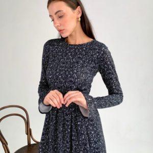Купить онлайн женское трикотажное платье миди с принтом (размер 42-54) черного цвета