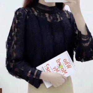 Заказать черного цвета для женщин закрытую блузку с гипюром в интернете