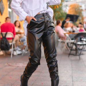 Заказать черные брюки для женщин из искусственной кожи на распродаже