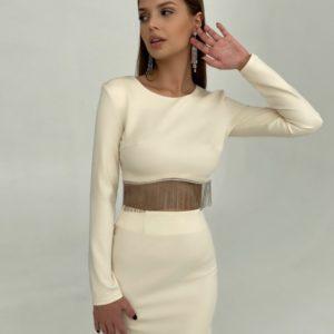 Купити жіночий костюм молочного кольору зі спідницею з бахромою на новий рік зі знижкою