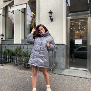 Замовити жіночу куртку сіру оверсайз з високим коміром недорого