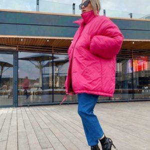 Придбати рожеву жіночу об'ємну куртку з великими рукавами дешево