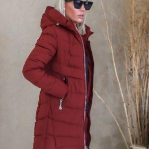 Купить женскую зимнюю бордо куртку из матовой плащевки (размер 42-50) по скидке
