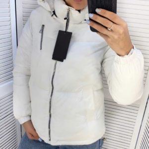 Купить короткую куртку на холофайбере для женщин белого цвета со змейкой (размер 44-48) в Украине