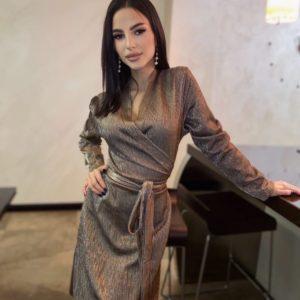 Купити кольору мокко жіноче плаття з люрексу на запах з довгим рукавом на свято вигідно