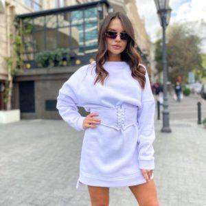 Купить белого цвета спортивное платье-тунику c поясом-корсетом для женщин по низким ценам