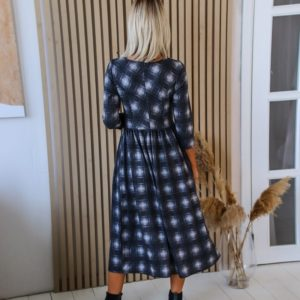 Приобрести женское осеннее платье миди в клетку цвета графит по низким ценам