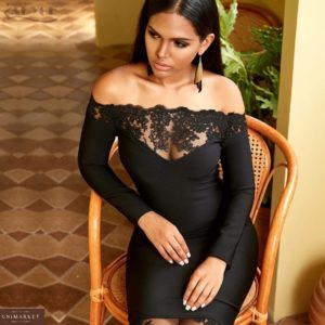 Купить онлайн женское элегантное платье с открытыми плечами и декольте черное на корпоратив