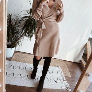 Заказать бежевое кашемировое женское платье на запах онлайн