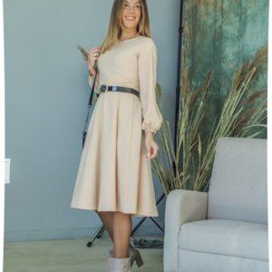 Купить бежевое женское платье с поясом с объемными рукавами (размер 42-54) в интернете