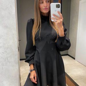 Заказать женское приталенное закрытое платье мини с длинным рукавом черного цвета дешево