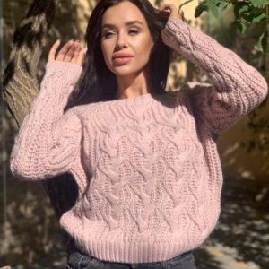 Купить женский шерстяной свитер цвета пудра с узором онлайн