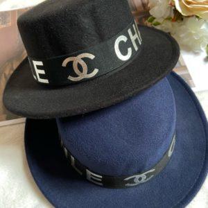 Заказать на подарок женскую осеннюю шляпу канотье синего и черного цвета дешево