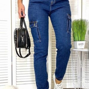 Приобрести женские стрейчевые джинсы Мом с боковыми карманами в интернете синего цвета