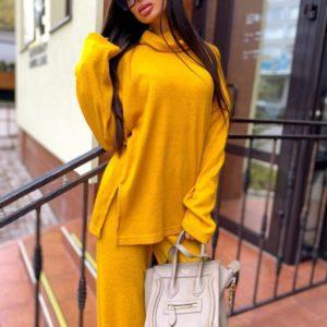 Замовити кольору гірчиця вільний костюм з щільної ангори зі светром для жінок онлайн