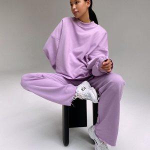 Купити бузковий жіночий спортивний костюм на флісі з широкими штанами (розмір 42-50) в інтернеті