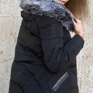 Купити чорну куртку жіночу зимову з капюшоном і хутром (розмір 46-52) онлайн