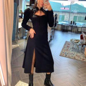 Купити жіночу сукню довжини міді з рукавом ліхтариком і мереживом чорну в інтернеті