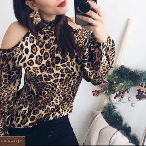 Приобрести по скидке коричневую шифоновую блузку в животный принт с открытыми плечами для женщин