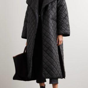 Приобрести выгодно стеганую куртку-одеяло черную оверсайз женскую с поясом