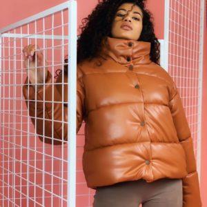 Купить женскую тёплую зимнюю куртку рыжего цвета из эко кожи онлайн