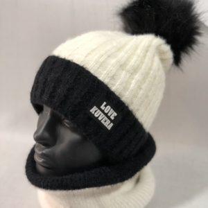 Приобрести белый набор двойка зимний: шарф+шапка с помпоном дешево для женщин