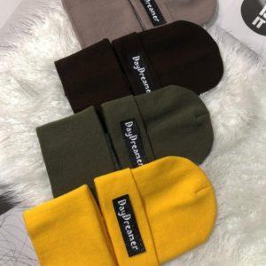 Купить по скидке разных цветов комплект Day Dreamer: шапка и шарф для женщин и мужчин