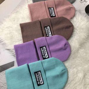 Купить разных цветов Комплект Adidas: шапка и шарф по скидке для женщин и мужчин