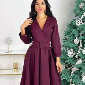 Приобрести по скидке бордовое платье с декольте и поясом (размер 42-48) в интернете женское