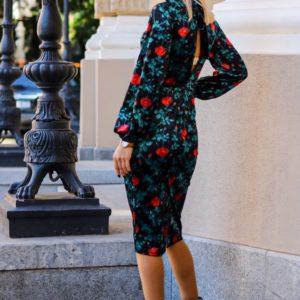Купить онлайн женское бархатное принтованное платье с открытой спиной (размер 42-54) черного цвета