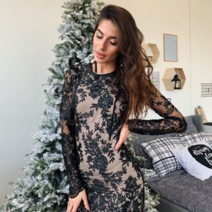 Купить на корпоратив женское вечернее платье мини с кружевом черного цвета по скидке