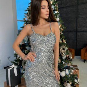 Купить в Украине блестящее платье в пайетках серебряное на тонких бретельках для женщин по скидке