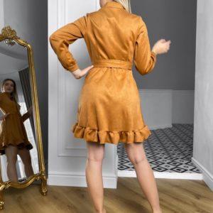 Приобрести дешево женское замшевое платье с рюшами и поясом (размер 42-48) цвета карамель