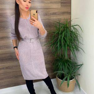 Заказать женское по низким ценам вязаное платье с люрексом и поясом пудра