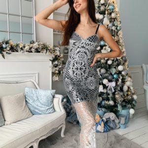 Приобрести по скидке женское платье макси с гипюром с блёстками цвета серебро
