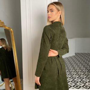Приобрести недорого женское платье-рубашка оверсайз из микровельвета (размер 42-48) цвета хакм